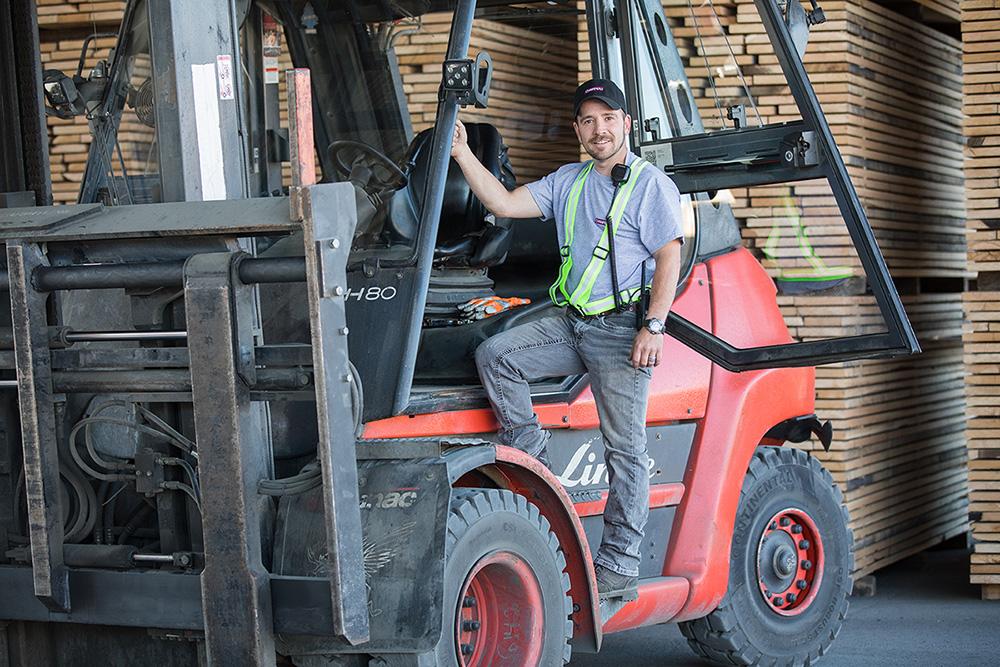 champeau_career_lift_hardwood_lumber